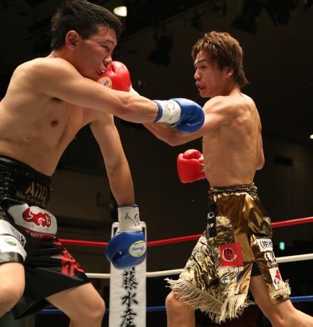 湯場忠志防衛(ボクシングニュース)