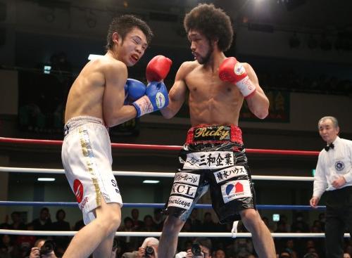 内藤が日本S・フェザー級新王者に(ボクシングニュース)