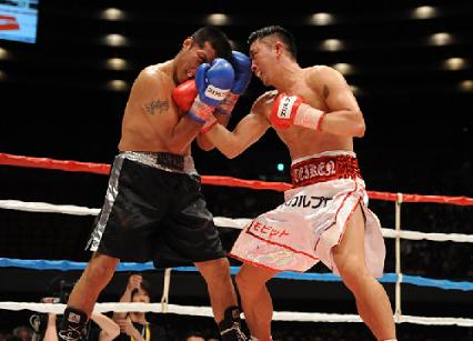 粟生がメキシカンに3-0判定勝利(ボクシングニュース)