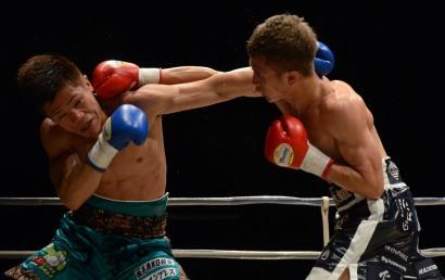 元王者大澤が坂を終盤TKO(ボクシングニュース)