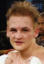 バドラー、KOで2度目の防衛成功(ボクシングニュース)