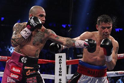 コット4階級制覇、マルティネスを10回TKO(ボクシングニュース)