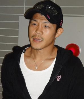 亀田興毅、傷心フィリピン合宿へ出発(ボクシングニュース)