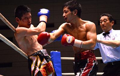 大場浩平、川口裕、再起戦は苦しみながら勝利(ボクシングニュース)