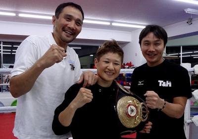 藤岡奈穂子がドイツで3階級制覇に挑戦(ボクシングニュース)