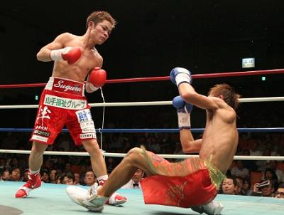 村中が8回TKOでV2(ボクシングニュース)