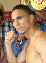 ダーレイス・ペレスがパーラを下して暫定タイトル防衛(ボクシングニュース)