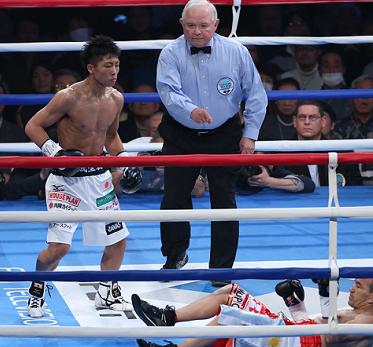 井上尚弥が衝撃の2回KOで2階級制覇(ボクシングニュース)