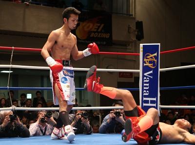 和氣慎吾が初回KOでV5。BoxingNews(ボクシングニュース)