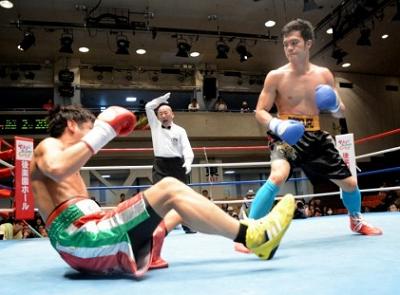 土居コロニータ、KO負けで37歳定年制へ(ボクシングニュース)
