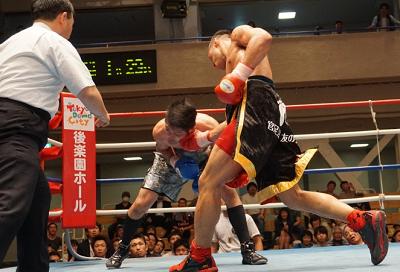 胡朋宏が7回TKO勝ち(ボクシングニュース)