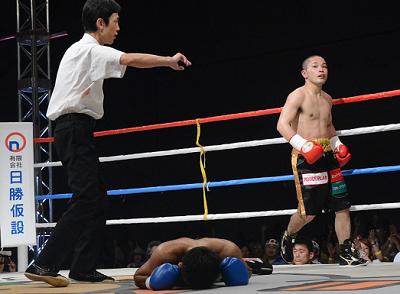 原隆二がKOで再起戦に勝利(ボクシングニュース)
