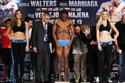 ウォータースが体重オーバー、タイトル失う(ボクシングニュース)